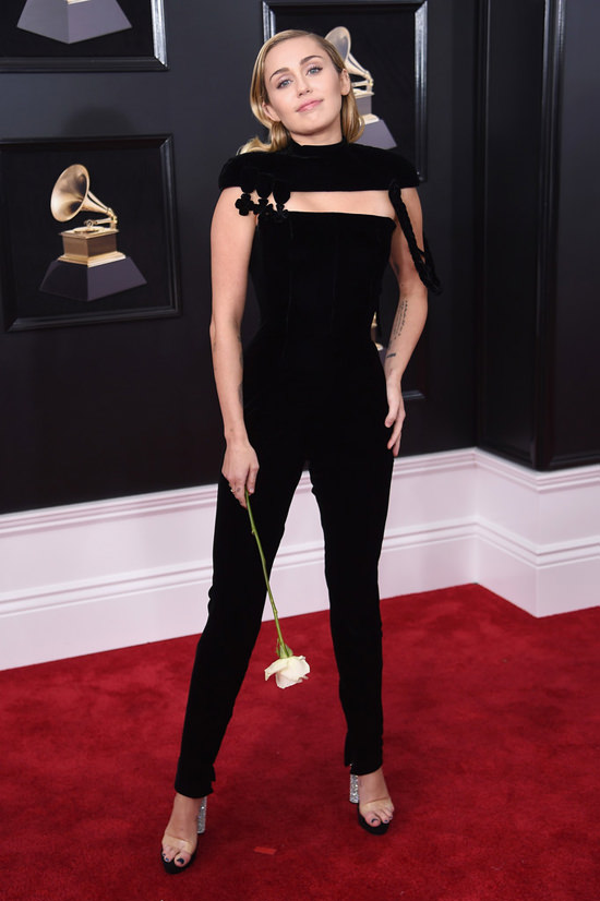 Miley-Cyrus-Grammys-2018-Red-Carpet-Fashion-Jean-Paul-Gaultier-Zac-Posen-Tom-Lorenzo-Site-3.jpg